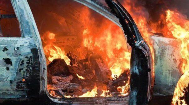 Abşeronda avtomobil yanıb