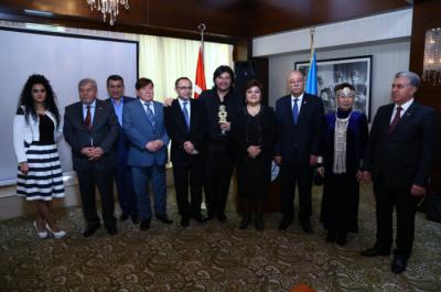 Bakıda Türklük Onur Ödülünün təqdimat mərasimi - FOTO - YENİLƏNİR