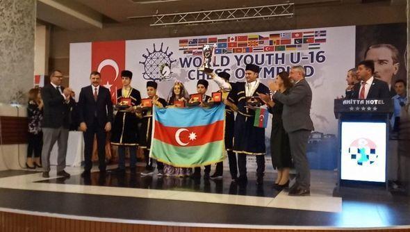 Azərbaycan şahmatçıları Olimpiadada daha iki medal qazanıb - FOTO